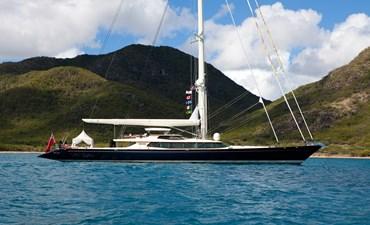 yacht-tiara-running-04