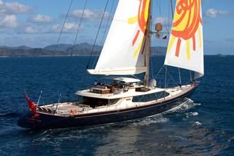 yacht-tiara-running-05