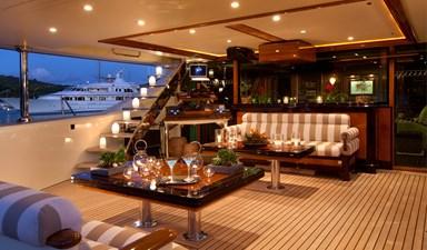 yacht-tiara-exterior-08