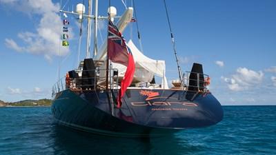 yacht-tiara-exterior-10