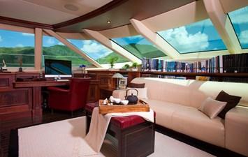 yacht-tiara-interior-05