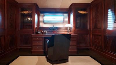 yacht-tiara-interior-2019-09