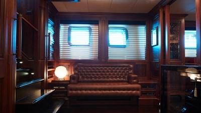 yacht-tiara-interior-2019-12