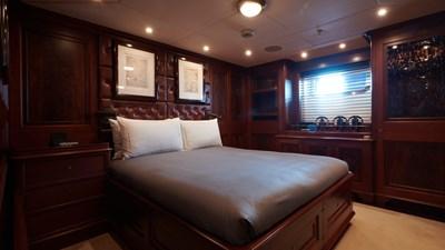 yacht-tiara-interior-2019-16