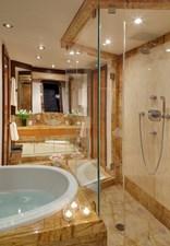 DREAM WEAVER 25 Master Bath