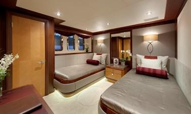 DREAM WEAVER 34 Guest Stateroom 3