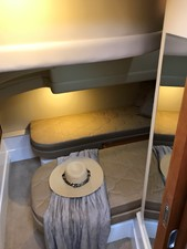 dream 18 360 Carver SS - Guest Stateroom