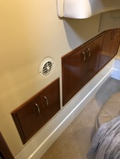 dream 19 360 Carver SS - Guest Stateroom Storage