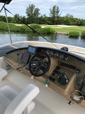 dream 21 360 Carver SS - Helm and Electronics
