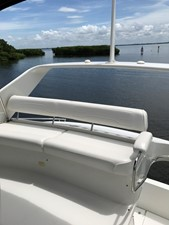 dream 25 360 Carver SS - Aft Bench Seat and Storage