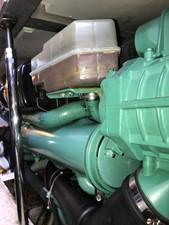 dream 26 360 Carver SS - Engine Room