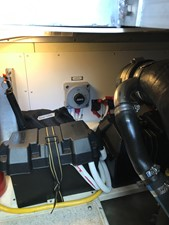 dream 32 360 Carver SS - Engine Room