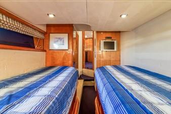 Twin Guest Cabin w TV