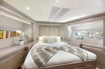 LONG WAY ROUND 13 Guest Stateroom