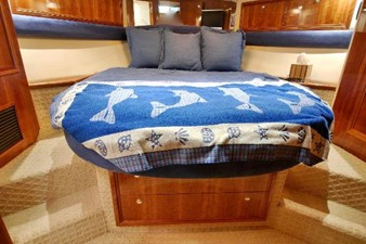 VIP Queen Centerline Berth