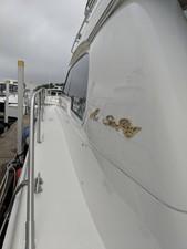 CARPE LACUM 4 CARPE LACUM 1998 SEA RAY 480 Sedan Bridge Motor Yacht Yacht MLS #249787 4