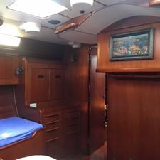 Owner's Cabin, Port Fwd.
