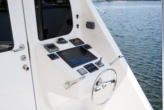 Enclosed Flybridge Aft Deck