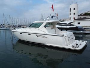 Antari 2 Antari 2004 TIARA 4400 Sovran Cruising Yacht Yacht MLS #250625 2