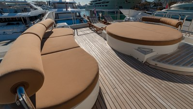 M/Y Grace Astondoa 96 GLX Flybridge