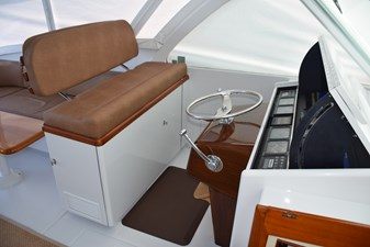 Helm Bench Seat with Ladderback