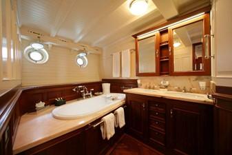ELEONORA 13 S/Y 162.5ft Van Der Graaf Classic Gaff Schooner ELEONORA bathroom