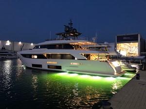 No Name Navetta 33 M Custom Line 9 Profile w/ Underwater Lights