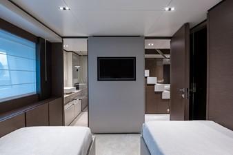 No Name Navetta 33 M Custom Line 37 Fwd Stbd Guest Cabin
