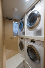 No Name Navetta 33 M Custom Line 66 Laundry