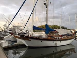 Marine Trading 47' 0 William Garden Vagabond 47_02 AziMx