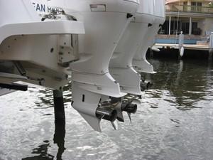 VINO 4 VINO 2017 INTREPID POWERBOATS INC. 400 Cuddy Boats Yacht MLS #251562 4
