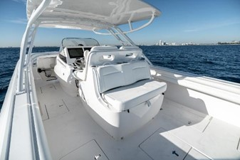 WILDHARE 14 Aft Facing Seat with Cooler Underneath