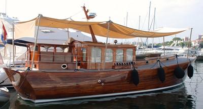 AMALI 3 AMALI 1991 MC MILLAN Modern Classic 48 Motor Yacht Yacht MLS #252302 3
