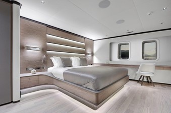 ALL ABOUT U2 7 Master Stateroom
