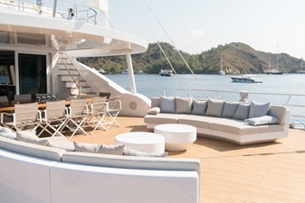 ALL ABOUT U2 26 Main Deck Aft