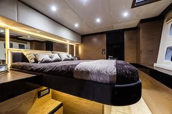 HAPPY 7 Sunreef 60 Loft master cabin