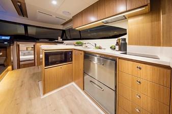 Riviera 395 SUV 5 Riviera 395 SUV 2021 RIVIERA 395 SUV Cruising Yacht Yacht MLS #252618 5