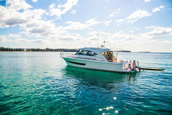 Riviera 395 SUV 1 Riviera 395 SUV 2021 RIVIERA 395 SUV Cruising Yacht Yacht MLS #252618 1