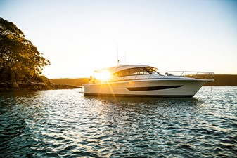 Riviera 395 SUV 2 Riviera 395 SUV 2021 RIVIERA 395 SUV Cruising Yacht Yacht MLS #252618 2