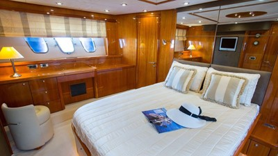 SUNSEEKER MANHATTAN 66 5 SUNSEEKER MANHATTAN 66 2006 SUNSEEKER  Cruising Yacht Yacht MLS #252764 5