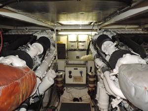 Smoken Joe 27 Engine Room