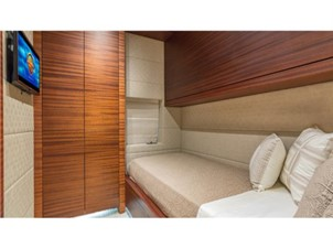 Guest Stateroom Twin5 : MONI 107' 2013 Vicem Motor Yacht