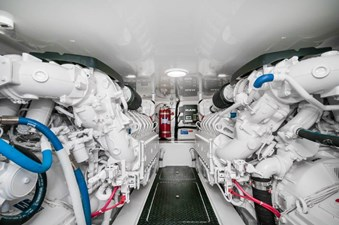 CRAZY K 36 2016 Viking 52 Convertible Engine Room