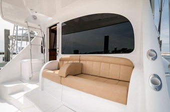 CRAZY K 30 2016 Viking 52 Convertible  Seating