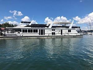Fantasy Houseboat 253385