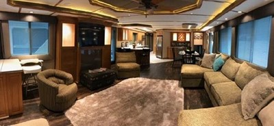 Fantasy Houseboat 11