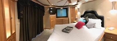 Fantasy Houseboat 17