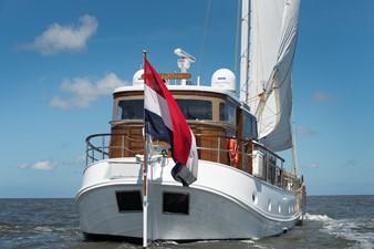 De Vrouwe Christina 4 De Vrouwe Christina 1957 FEADSHIP  Vintage Yacht MLS #253504 4