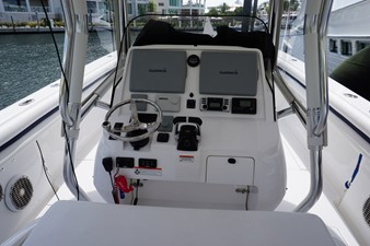 LIBERTY 5 LIBERTY 2011 INTREPID POWERBOATS INC. 400 Center Console Boats Yacht MLS #253703 5