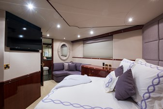 GUEST STATEROOM / STARBOARD